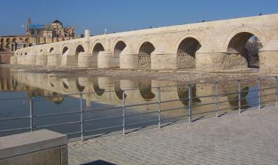La ¿restauración? del puente romano de Córdoba